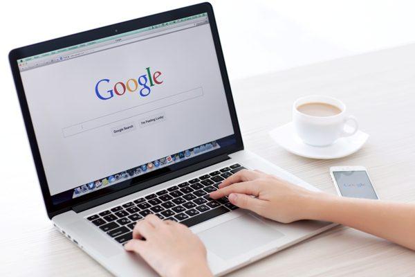 laptop-Google-search